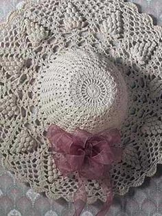 Pineapple Suite Hat...Free Pattern   I have made many of these and added beads, ribbons and hang them on my walls...Beautiful