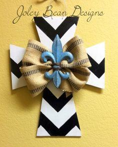 Wooden door hanger, cross, chevron, fleur de lis