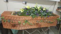 Scottish coffin spray tartan mcewan clan colours #bellasphotos #bellasblooms #funeralflowers #funeraltribute #funeral #flowers #tribute #funeraltributes #bellasblooms www.bellasblooms.co.uk