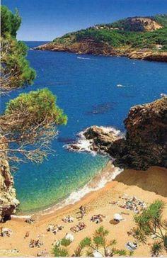 Platja de l'Illa Roja, entre Pals i Begur. Illa Roja beach, in the Costa Brava, Catalonia.
