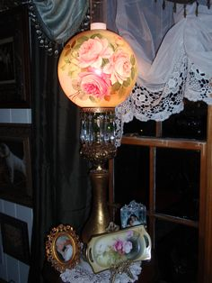 This is my favorite lamp of all♥ -- imagine how this would dress up a room! Antique Oil Lamps, Old Lamps, Antique Lighting, Vintage Lamps, Victorian Lamps, Victorian Life, Victorian Design, Milk Glass Lamp, Globe Lamps