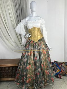 Roupa Cigana - (cód.03059) Ideias Fashion, Victorian, Dresses, Gypsy Party, Gypsy Clothing, Corset Outfit, Victorian Dresses, Stylish Dresses, Vestidos