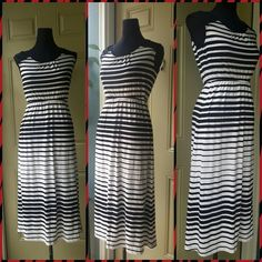 Cute black and white striped dress In impeccable condition with added accessories : belt, necklace, handbag this dress can very appealing Cato Dresses