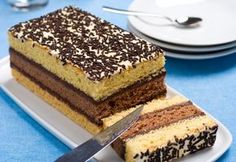 clickpoftabuna.ro slider-ul-de-pe-prima-pagina prajitura-in-doua-culori index.html Italian Sponge Cake, Romanian Desserts, Something Sweet, I Love Food, Biscuits, Sweet Treats, Food And Drink, Cooking Recipes, Sweets