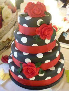 #rocknroll #rockabilly #wedding #cake