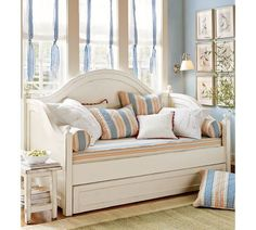 Charlotte Daybed with Trundle, Antique White