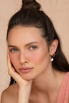 Fresh Makeup Look, Light Makeup Looks, Summer Makeup Looks, Unique Earrings, Etsy Earrings, Hoop Earrings, Nude Makeup, Belleza Natural, Everyday Makeup