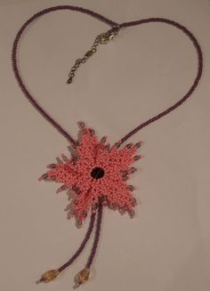 Bead Necklaces – Pink netted flower necklace – a unique product by DarkEyedJewels on DaWanda Flower Necklace, Crochet Necklace, Bead Necklaces, Handmade Jewellery, Beads, Flowers, Unique, Pink, Jewelry