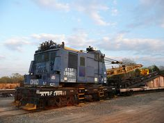 Ohio Locomotive Crane Co. Model No. DE-600 Bucyrus, Ohio Has its own engine. Sitting in Carthage, Tx Railyard.--- USA
