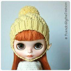 Blythe winter Swirl #Blythe #hat #winter #ooak #pompom #cute #artdoll https://www.etsy.com/uk/listing/265971258/blythe-hat-winter-swirl-ooak-handmade