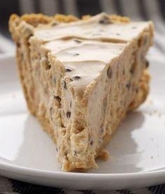 Peanut Butter-Chocolate Chip Pie is a simple, low-bake pie with big chocolate and peanut butter flavor. A favorite year-round! - Bake or Break Peanut Butter-Chocolate Chip Pie is a simple, almost no-bake pie with big chocolate and peanut butter flavor. Peanut Butter Desserts, No Bake Desserts, Just Desserts, Dessert Recipes, Healthy Desserts, Pie Recipes, Dessert Ideas, Chicken Recipes, Dinner Recipes