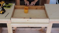 DIY Mobile & Modular Workbench To Bring Your Shop to the Next Level – Gadgets and Grain Garage Workbench Plans, Workbench Designs, Mobile Workbench, Diy Workbench, Industrial Workbench, Workbench Organization, Woodworking Bench Plans, Woodworking Projects Diy, Woodworking Tools