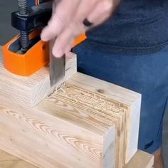 Unique Woodworking, Woodworking Joints, Woodworking Techniques, Easy Woodworking Projects, Woodworking Shop, Woodworking Plans, Popular Woodworking, Woodworking Skills, Diy Furniture Plans Wood Projects