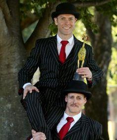 World Buskers Festival - Press Critics Choice Award (Iron Chicken) English Gents