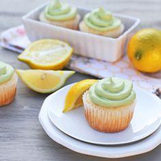Green Tea Lemon Cupcakes, inspired by the Starbucks drinks: Green Tea Lemonade. Perfect for a springtime tea party!
