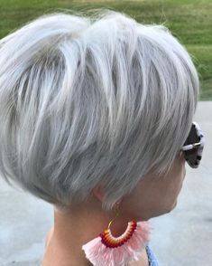 Short Hairstyles for Fine Hair 2019 - Kurzhaarfrisuren Bobs For Thin Hair, Short Hairstyles For Thick Hair, Short Pixie Haircuts, Short Hair Cuts For Women, Curly Hair Styles, Pixie Hairstyles, Short Cuts, Braided Hairstyles, Stacked Haircuts