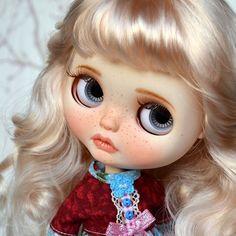 Custom Doll for Adoption by BeMyDoll  CHECK HERE  https://etsy.me/2GuWoEd . . . #blythe #dollycustom #blythecustom #blythecustomizer #ooakblythe  #customblythe #kawaii #doll #artdoll #dollstagram #blythestagram  #blythelover #ブライス #blythedoll #customdoll #ooak #ooakdoll