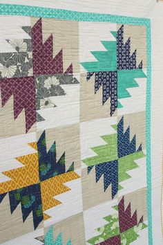 Today another sneak peak of a quilt in the upcomingFabulously Fast Quilts.This book is a collection of of quilt patterns – some traditional, some all new – with some kind of short-cut method for assembling them. This modern version of a traditional buzz-saw pattern is one of them. (The quilting on this quilt was done …