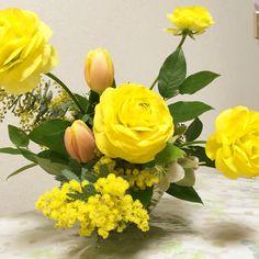 2月のアレンジ Flower Arrangements, Floral Wreath, Wreaths, Flowers, Home Decor, Floral Arrangements, Floral Crown, Decoration Home, Door Wreaths