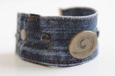 Bracelet Cuff Studs Bronze Blue Denim Jeans por JeansSeamsBracelets