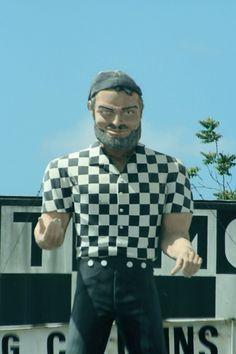 81aedefe02 Muffler Man Sergio - California  This is another classic Muffler Man