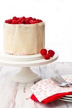 buttermilk cake with raspberry swiss meringue buttercream