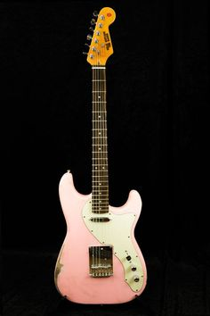 #Relic #Guitars The Hague #Strat/Tele Hybrid, Matte Shell Pink, Deluxe #pickguard in mint green, Special Aritst Series - #JackRentschler ( #Wander ) #guitarporn