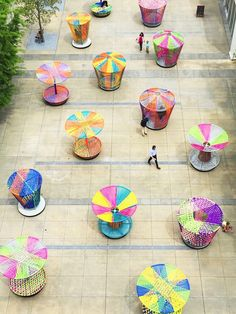 Los Trompos (Spinning Tops) - Picture gallery