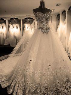 Arowyn's wedding dress (basically)