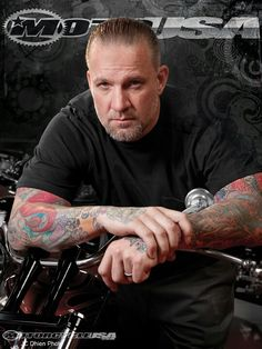 Jesse James doesn't care what people think. He constantly challenges himself to improve his skills and take choppers and hot rods where no one else has before. He refuses to put popularity ahead of success. Bobbers, Jesse James Biker, Milwaukee, Older Mens Hairstyles, Orange County Choppers, Bike Builder, West Coast Choppers, Custom Choppers, Jessie James