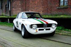 Alfa Romeo GTA 1600cc - Scuderia Jolly Gancia