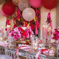 ❤️💖 pink & red colour theme styling who loves? ❤️💖 #wedding #bridalshower #kitchentea #engagement #party #glitter #tablescape #tablesetting #styling #decor #stylinginspiratjion#candles #balloons #flowers #roses #floralcentrepieces