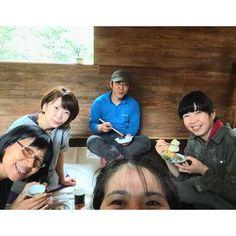 【sanrakuritsuko】さんのInstagramをピンしています。 《cinéma valley 藤川和恵さんのとこへ、彼女を激励しにお仕事の邪魔をしちゃいけないと思いランチ時間を狙ってお弁当持参であわ屋 かずみさんと、行ってきました。オーブンが楽しみです!#大山#調ふ#森#daisen#soup》