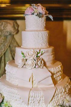 weddin-cakes-ideas-25-01182014
