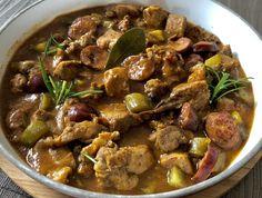 Gulasz wieprzowy po myśliwsku - Blog z apetytem Wok, Stew, Grilling, Good Food, Curry, Menu, Cooking Recipes, Salad, Dinner