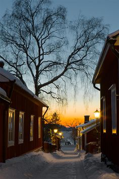 Ekenäs old town in Raseborg, Finland Tammisaari © Heikki Nikki. These photos are copyrighted by the photographer and may not be used without permission. Sunset Photography, Photography Wallpapers, Winter Photography, Beautiful Homes, Beautiful Places, Winter Magic, Small Buildings, Winter Photos, Urban Life