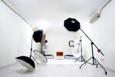 5 Tips Membuat Jasa Foto Anda Banyak Peminatnya Surabaya, Track Lighting, Ceiling Lights, Studio, Tips, Home Decor, Decoration Home, Room Decor, Studios