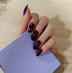 Almond nails Purple nailpolish