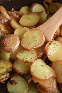 Easy Pan Fried Potatoes – My Homemade Heaven Okay friends, these potatoes, oh my. The first batch of these didn't last long, in fact, I had to make them two more times just to photograph them because I couldn't stop… Continue Reading → Fried Red Potatoes, Fried Potatoes Recipe, Skillet Potatoes, Sliced Potatoes, Russet Potatoes, Mashed Potatoes, Potato Sides, Potato Side Dishes, Russet Potato Recipes