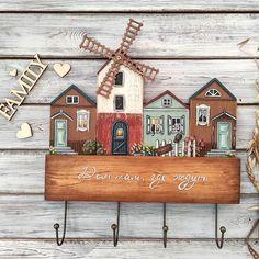 Wooden Art, Wooden Crafts, Decor Crafts, Home Crafts, Wooden House Decoration, Small Wooden House, Wood Block Crafts, Pottery Houses, Diy Hanging Shelves