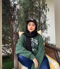 Hijab Fashion Summer, Modest Fashion Hijab, Modern Hijab Fashion, Street Hijab Fashion, Modesty Fashion, Casual Hijab Outfit, Hijab Fashion Inspiration, Muslim Fashion, Casual Outfits