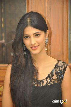 """Képtalálat a következőre: """"shruti hassan"""" Bollywood Actress Hot, Bollywood Girls, Beautiful Bollywood Actress, Most Beautiful Indian Actress, Bollywood Celebrities, Beautiful Actresses, South Indian Actress Photo, Indian Actress Hot Pics, Indian Actresses"""