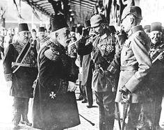 Le sultan Mehmed V de Turquie salue le Kaiser Wilhelm II à son arrivée à Istanbul