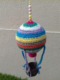 Balão.... Globo Aerostático .... crochê feito em barbante...