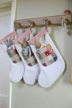 Christmas Crafts To Sell, Christmas Sewing Projects, Handmade Christmas, Christmas Diy, Christmas Fabric Crafts, Christmas Decorations, Christmas Ornaments, Holiday Decor, Holiday Crafts