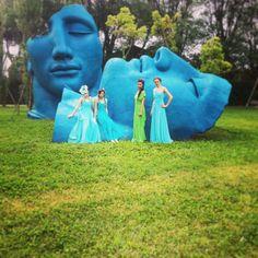 Ragazze nel giardino del Teatro Puccini a Torre del Lago per lo shooting con le ragazze @missartemodaitalia  #girl #love #portrait #igersoftheday #igers #fashion #fashionable #hat #hats #fashinator #style #girls #opera #puccini #teatro #shooting #ragazze #modisteria #model #models #pic