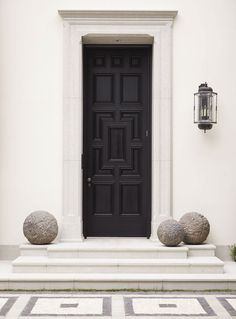 Front Door Paint Colors - Want a quick makeover? Paint your front door a different color. Here a pretty front door color ideas to improve your home's curb appeal and add more style! Door Design, Exterior Design, Interior And Exterior, House Design, Gate Design, Design Art, Small Front Porches, Entrance Doors, Front Doors