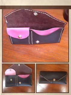 Leather wallet, handmade.  Billetero de cuero hecho a mano