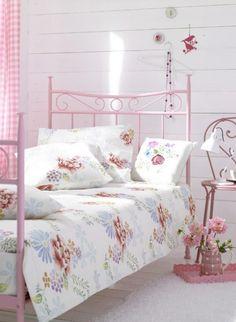 BED, BED ROOM, FLORAL BED, PASTEL BED ROOM