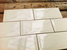 Metro tegels 10x20 beige - De klassieke metrotegel 10x20 is nu ook beschikbaar in de kleur beige. Perfect te gebruiken voor uw keuken - toilet en…